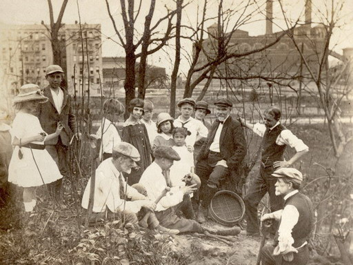 Archeological dig at the Dyckman-Nagle cemetery in 1926. On the background the city is closing in (Collection of the Dyckman Farmhouse Museum)