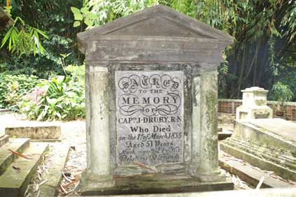 Grafmonument Captn J. Drury