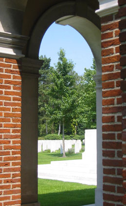 Canadian_War_Cemetery01