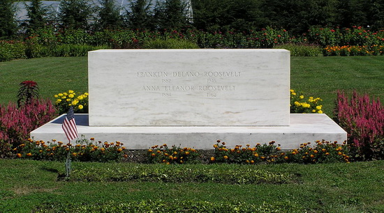 Grafmonument voor Franklin Delano Roosevelt (foto 2012 Wikimedia)