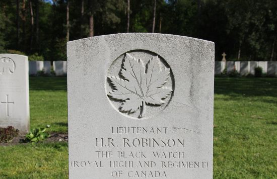 Grafmonument Harold R. Robinson